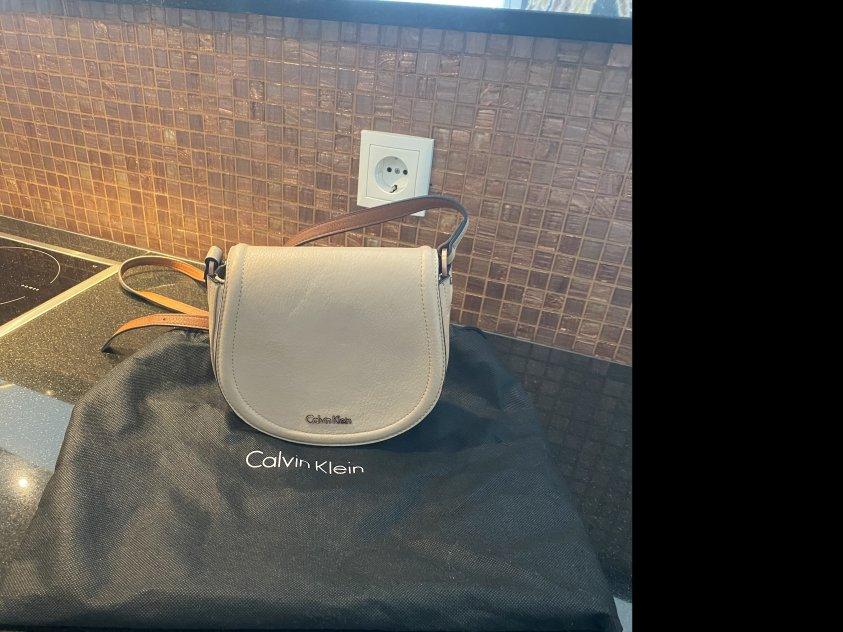 Äkta Calvin Klein väska