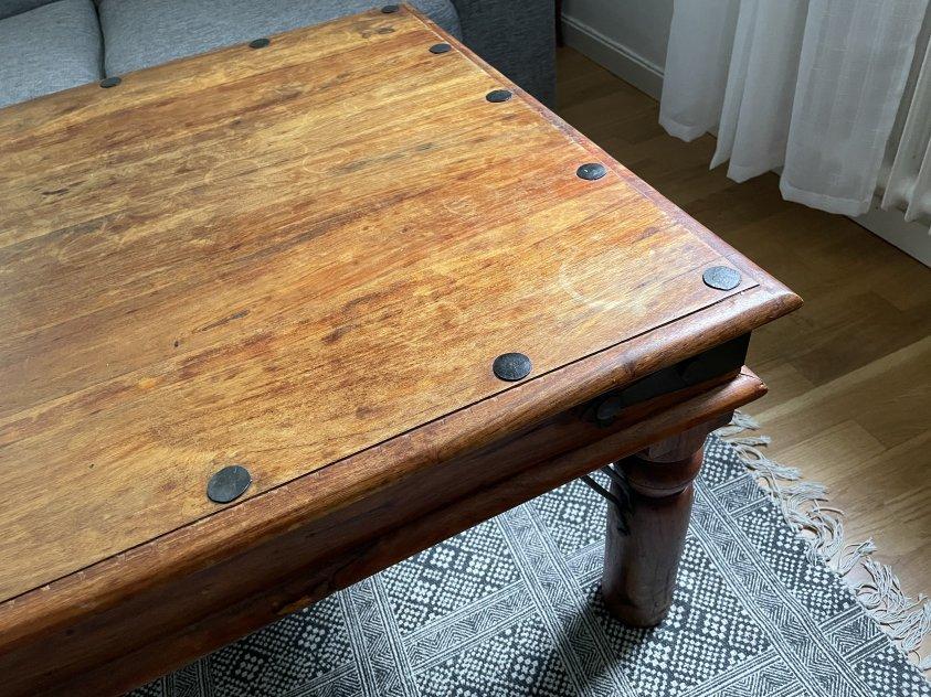 Snyggt vardagsrumsbord