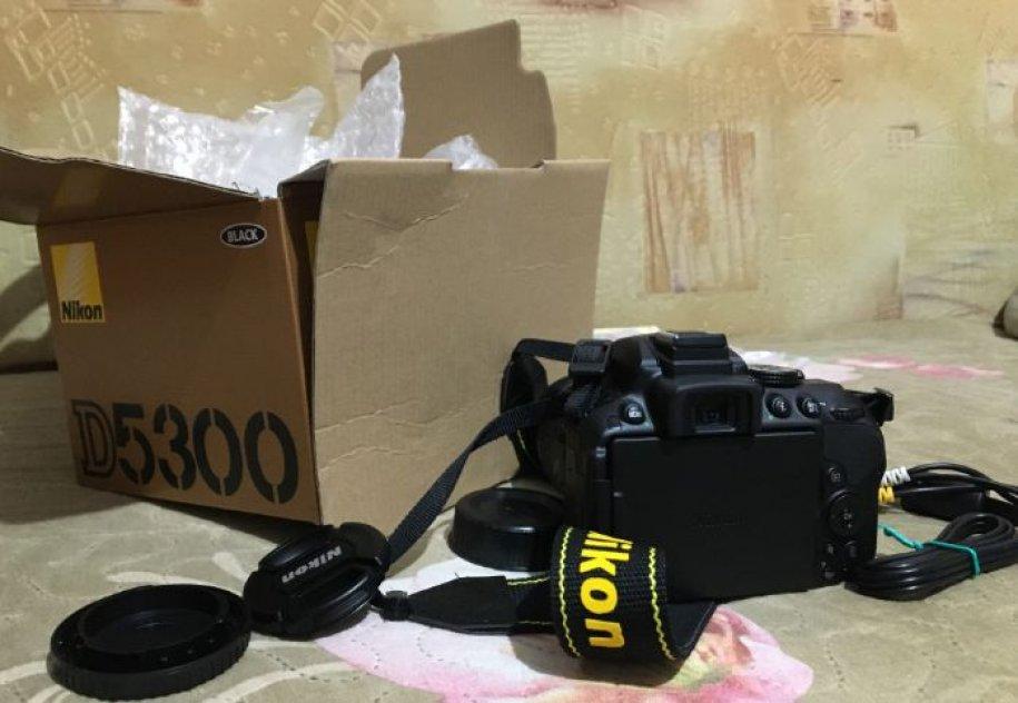 Nikon d5300 med objektiv