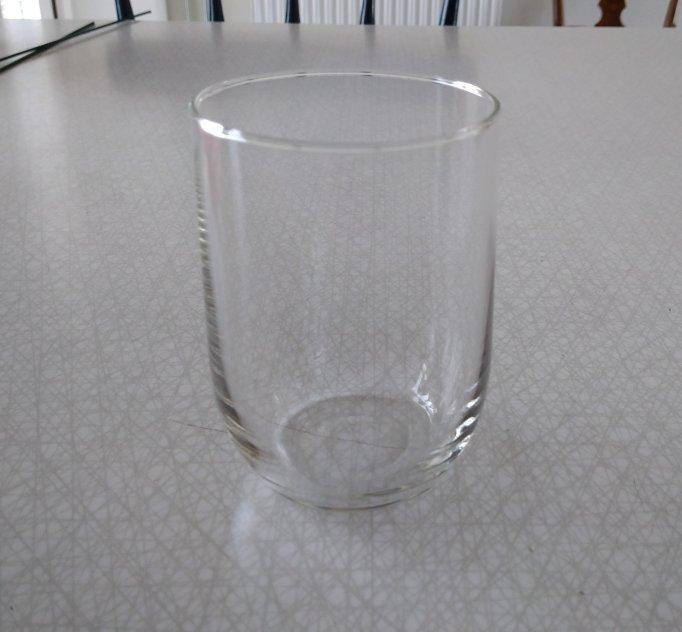 Tekoppar, temuggar och olika glas