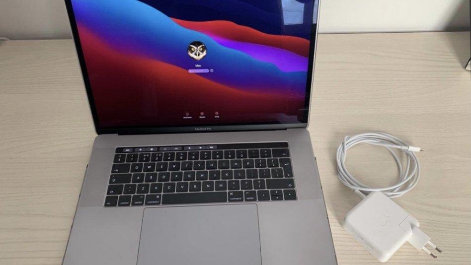 "MacBook Pro 15"" 2,9ghz i7 1tb disk"