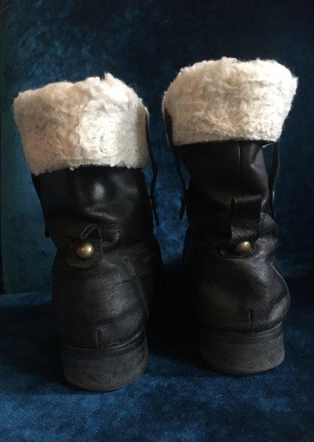 Boots i strl 38 säljes