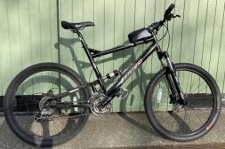 Heldämpad cykel