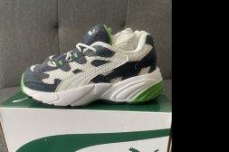 Puma skor, storlek 25